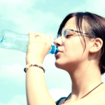 一日,飲むべき,水,量,何リットル,美肌,健康維持,毎日