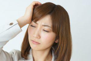 頭痛,吐き気,目の痛み,腹痛,貧血,一緒に起こる,原因,対策