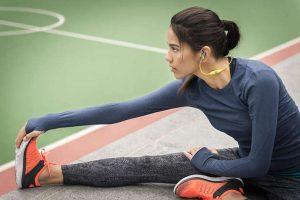 ランニング,マラソン,運動中,イヤホン,外れない,方法,取れにくい,付け方